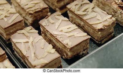 cream pie cake