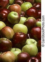 Pile of mixed varieties of apples