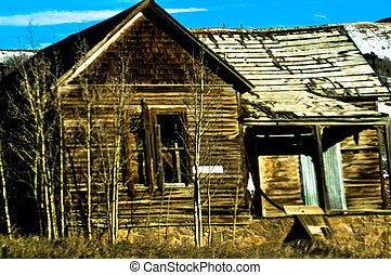 OLD HOUSE - Delapidated old house