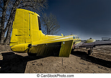 Wrecked plane, NM
