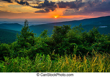 Sunset over the Blue Ridge Mountains, seen from Skyline Drive in Shenandoah National Park, Virginia.