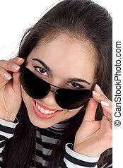 morena, óculos de sol