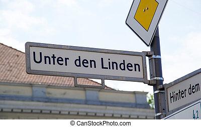 Berlin - unter den linden in berlin