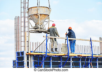 concreting works - concreting work: construction site...
