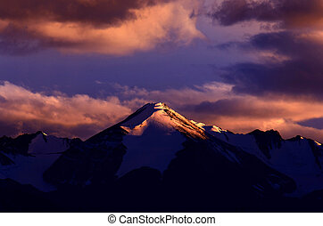 Landscape mountain view sunset on himalaya