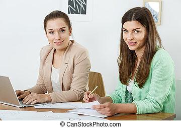 trabajadores, joven, oficina, hembra
