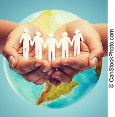 fim, cima, de, human, mãos, com, terra, globo,