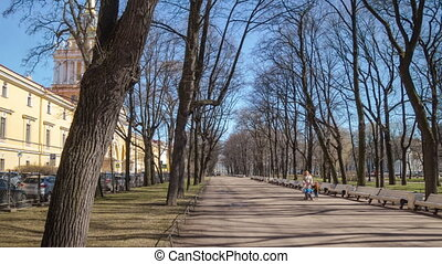 Alexander Garden day motion timelapse in Saint Petersburg -...