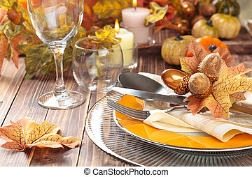 Thanksgiving dinner decoration - Autumn place setting with...
