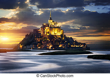 Mont Saint Michel at sunset, France - Le Mont-Saint-Michel...