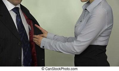woman 500 euro man pocket
