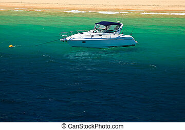Cabin Cruiser in Moreton Bay