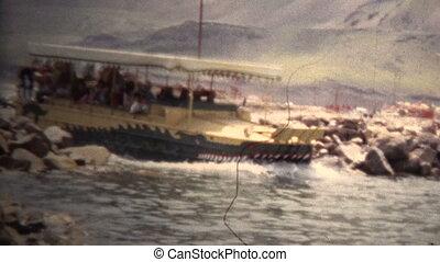 (8mm Vintage) 1966 Amphibious - Original vintage 8mm home...