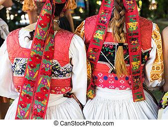 anónimo, niñas, en, folklore, trajes, espalda,...