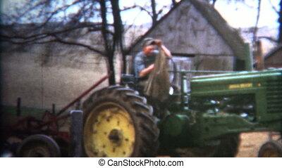 (8mm Vintage) 1952 Proud Iowa - Original vintage 8mm home...