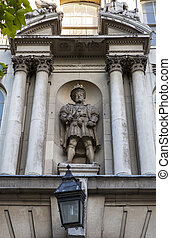 King Henry VIII Statue in London - The only statue of King...