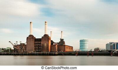 Battersea Power Station Timelapse - Calm long exposure time...