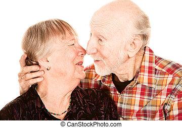 sonriente, 3º edad, pareja, conmovedor, Narices