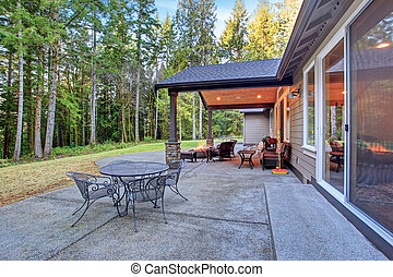Large back yard with grass. - Large back yard with grass and...