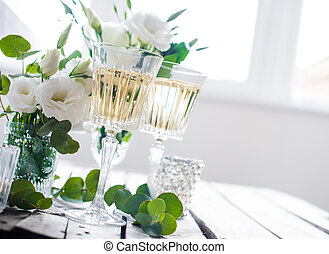 summer wedding table decor - Two glasses of champagne and...