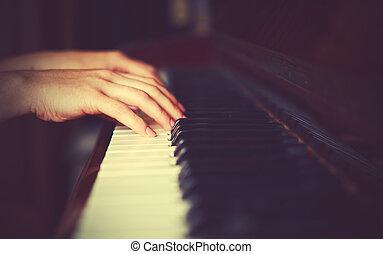Manos, mujer,  piano, pianista, teclado