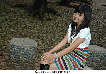 joven, dama, sentarse, Abajo, parque