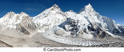 Beautiful view of mount Everest, Lhotse and nuptse from Pumo...