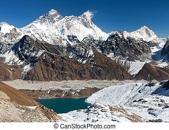 View of Everest, Lhotse, Makalu and Gokyo Lake from Renjo La...