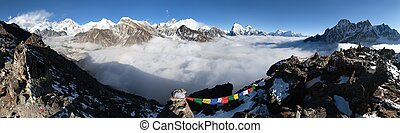 Panoramic view of Mount Everest, Lhotse, Cho Oyu, Makalu -...