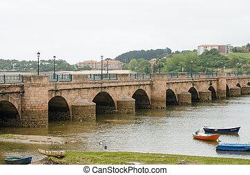 San Vicente de La Barquera, Cantabria, Spain. - Maza bridge...