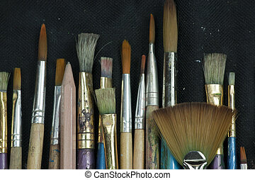 Selection of artist paint brushes - Artist paint brushes in...