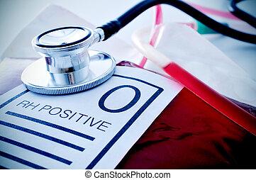 sangre, bolsa, con, Un, etiqueta, con, el, texto, O, Rh,...