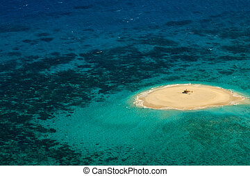 Upolu Cay Great Barrier Reef Helicopter landing pad - Upolu...