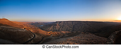 wadi mujib panorama - panorama of wadi mujib canyon at...