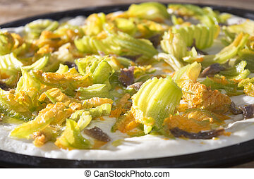 pizza with zucchini flowers - raw pizza with zucchini...