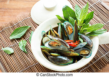 Mussels baked with thai spice