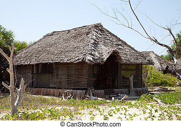 Straw hut Tanzania - Straw typical hut in nature from...