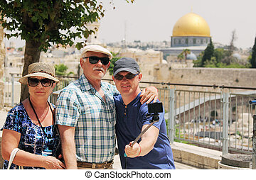 adult son traveling with parents