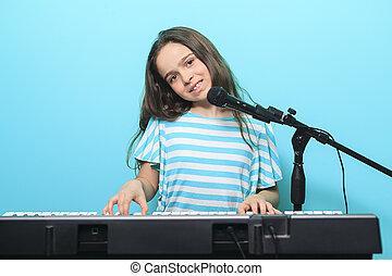joven, niña, juego, digital, piano,
