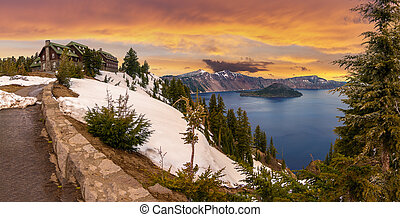 Beautiful Panorama of Crater Lake - Panoramic View of Crater...