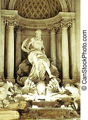 Fountain of trevi at night - Fontana di trevi(picture taken...