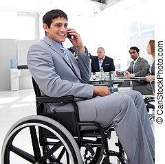 homem negócios, Cadeira rodas, telefone, durante,...