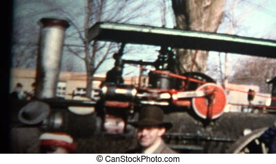 1957 - Locomotive Train Engine - Original vintage 8mm home...