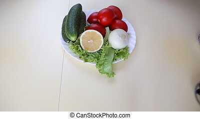 Plates with ingridients greek salad - Picture of plates with...