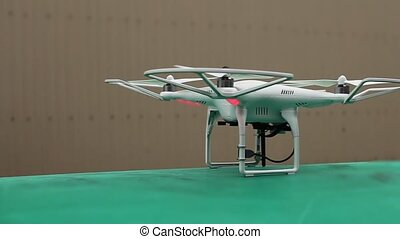 quadrocopter phantom camera motion - quadrocopter rotating...