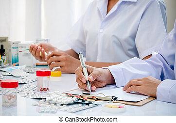 Pharmacists, arbete, kontor