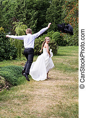 Groom catches bride - Groom trips out fo