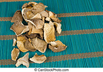 Oyster mushrooms - Dehydrated oyster mushrooms on a...
