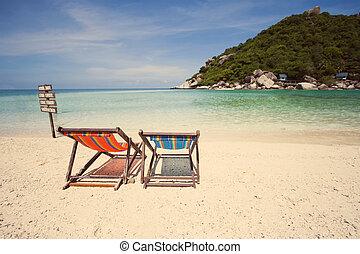 dos, cubierta, silla, en, el, playa,