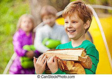 Junge, Nahaufnahme, Holz, Besitz, Freudenfeuer, Ansicht